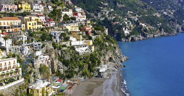 Vista de la costa de Sorrento (iStock)