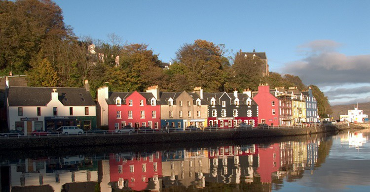 Puerto de Tobermory. low cloud (Flickr)