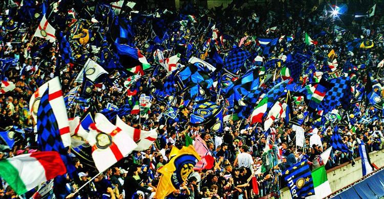 'Tifossi' del Inter de Milán en el estadio de San Siro. Oscar (Flickr)