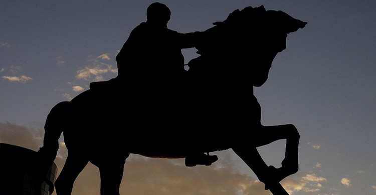 Estatua ecuestre de Skopje. Jenny Poole, Flickr
