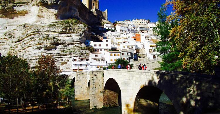 Vista de Alcalá del Júcar desde su puente romano. Manel (Flickr)