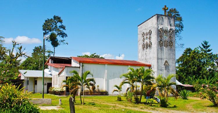 Iglesia en Bribrí. Everjean (Flickr)