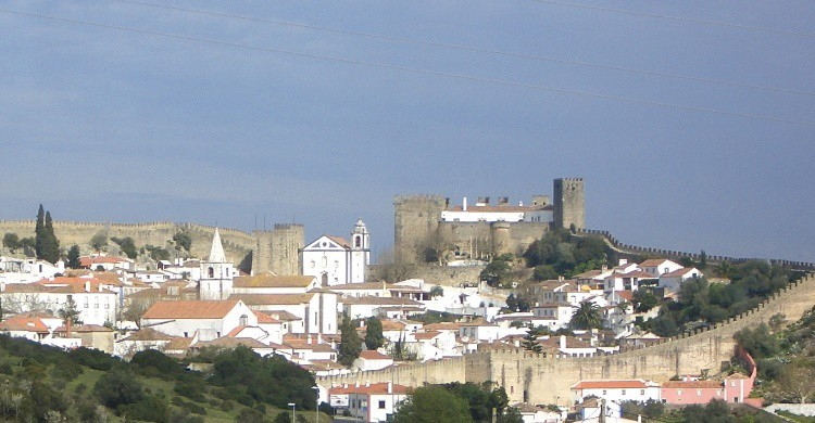 Vista parcial de Obidos, con su muralla. Ricardo Silva (Flickr)