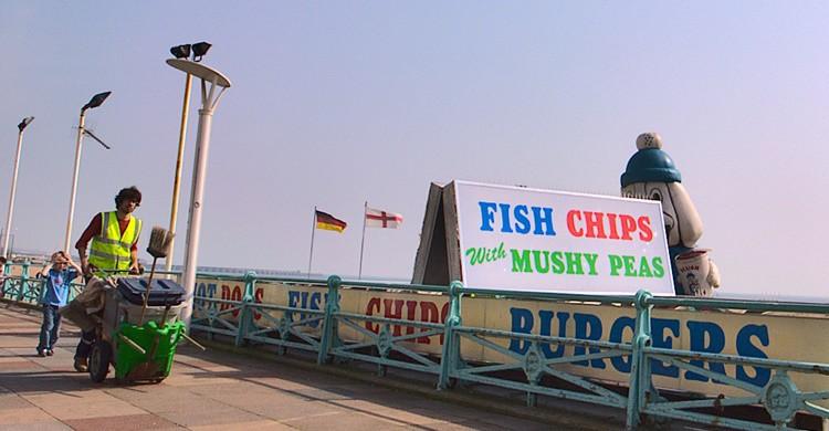 Establecimiento de fish and chips en la playa. Saw2th (Flickr)