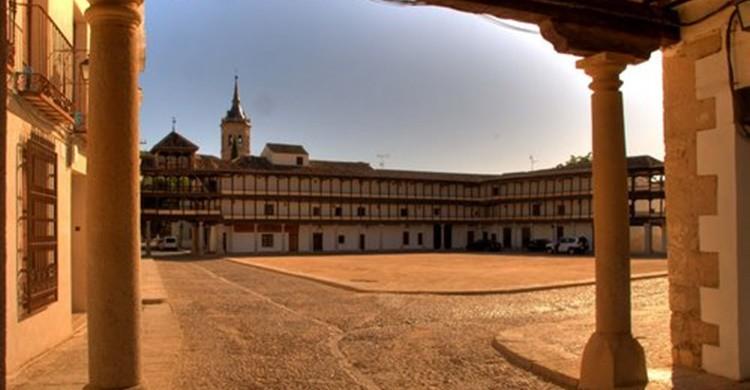 Plaza Mayor de Tembleque. (http://www.ayuntamiento.es/tembleque).
