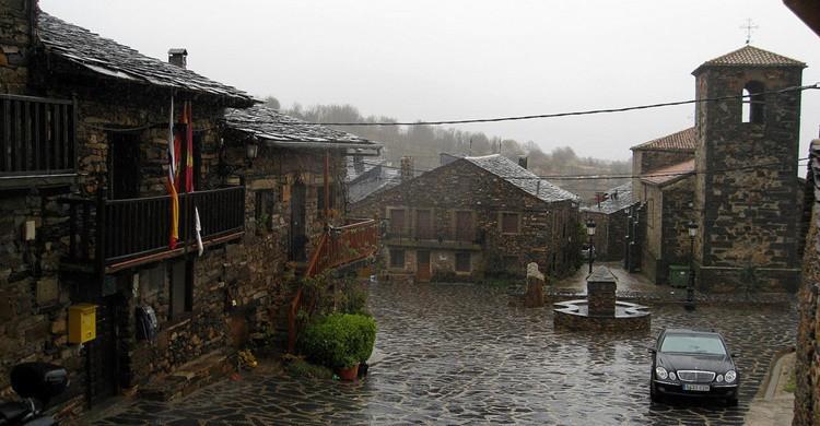 Valverde de los Arroyos, bajo la lluvia. Juanjo Bazán (Flickr)