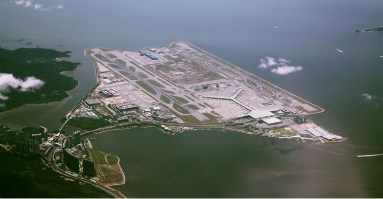 Aeropuerto Internacional de Hong Kong (Wikipedia)
