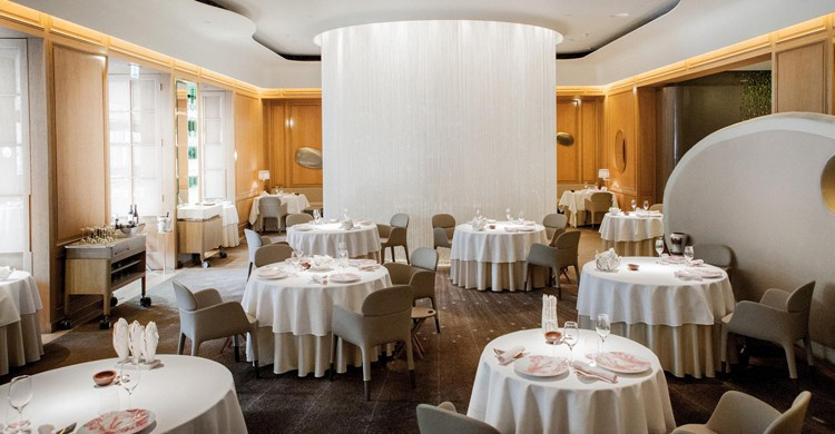 Sala principal. Alain Ducasse at the Dorchester