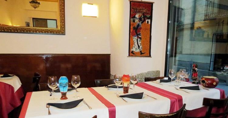 Mesas del restaurante. El Mandela, Facebook