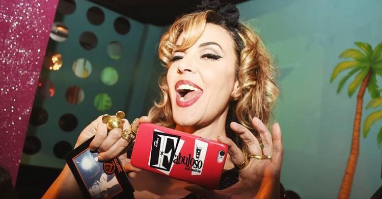 Silvia Superstar en el bar. El Fabuloso, Facebook