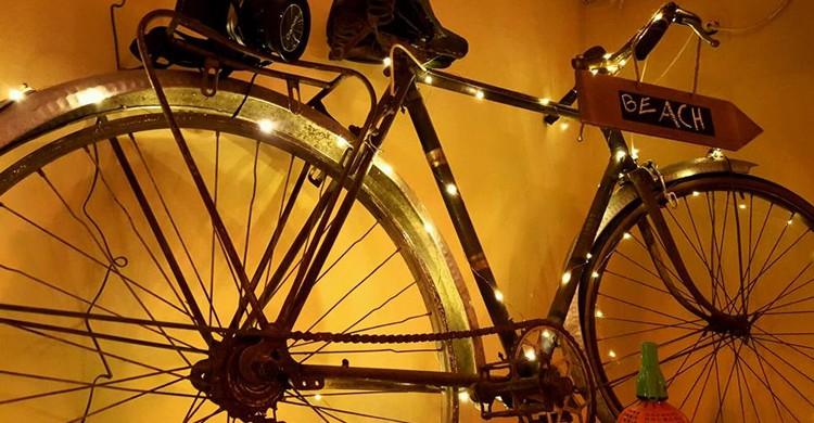 Bike delivery. KoKo Restaurante Barcelona, Facebook