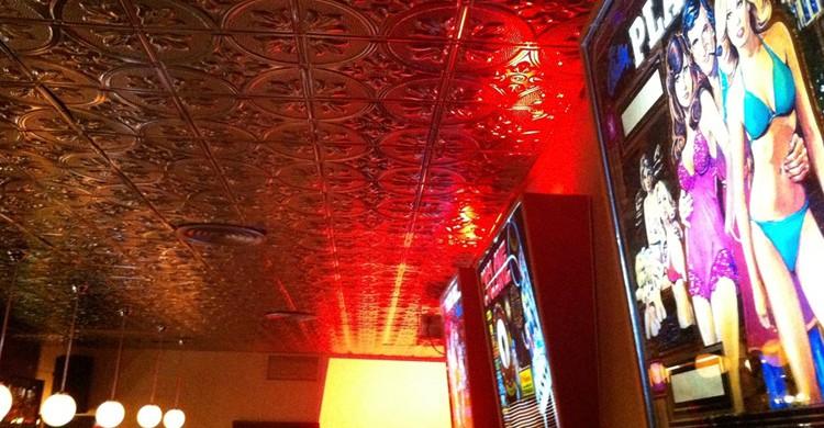 Bar Madklyn, Facebook