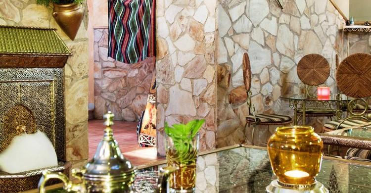 Mesas y decoración. Restaurante Sahara, Facebook