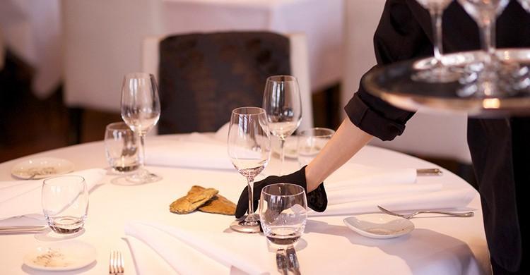 Preparación de mesas. The Ledbury