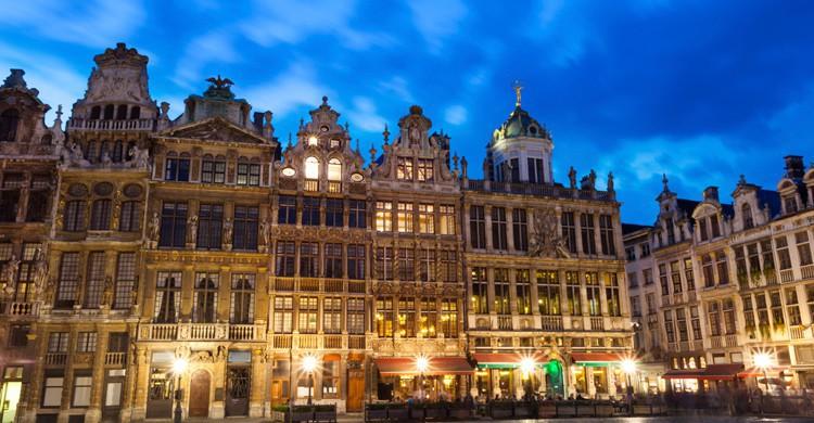 La Grand Place de Bruselas (iStock)