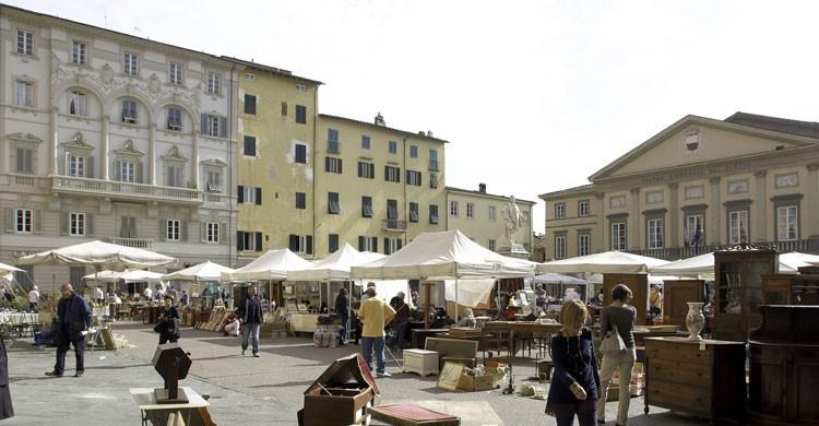 Plaza de Napoleón en Lucca, Italia (Flickr)