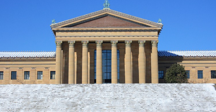 """La famosa escalinata del Museo de Arte de Filadelfia que aparece en """"Rocky"""" y en varias de sus secuelas (iStock)"""