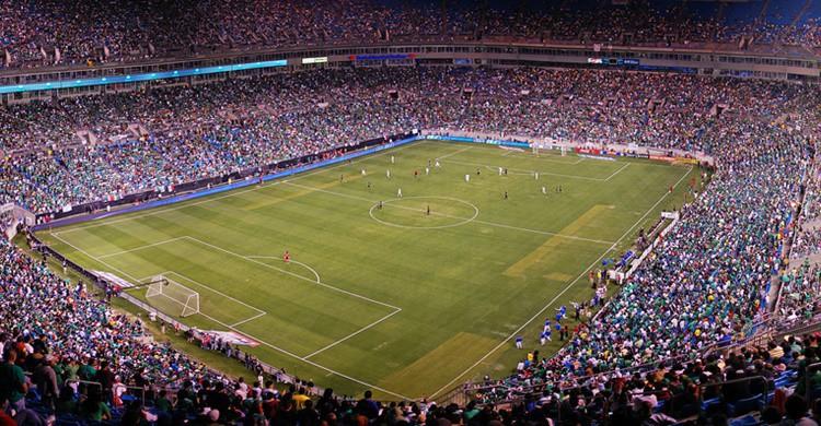 Estadio de fútbol. James Willamor (Flickr)