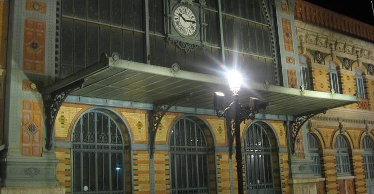 Parte de la fachada de la estación de Almería. Tnarik Innael (Flickr)