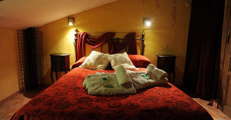 Imagen de una de las habitaciones del alojamiento. (www.elrincondemonasterio.com)