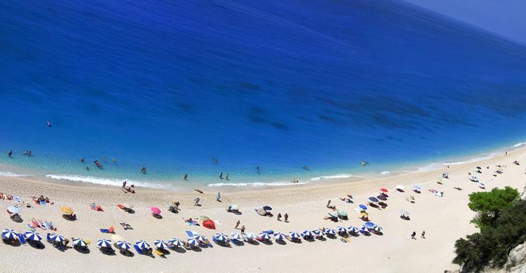 Impresionante vista aérea de la playa de Egremni. constant progression (Flickr)