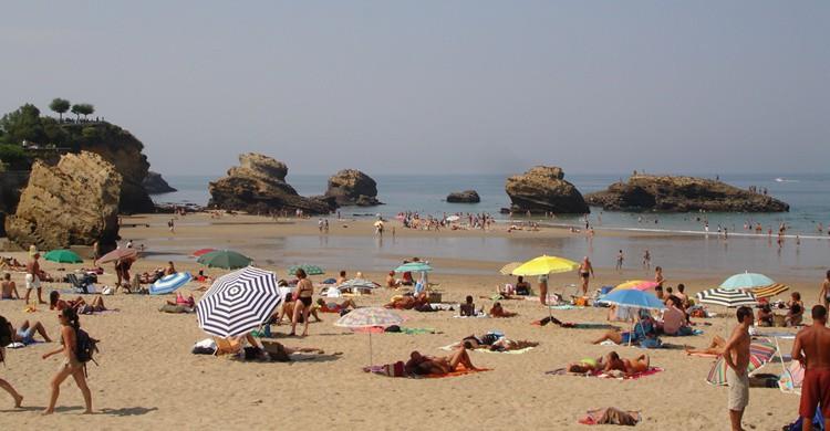 Playa en Biarritz. Eoghan Olionnain (Flickr)