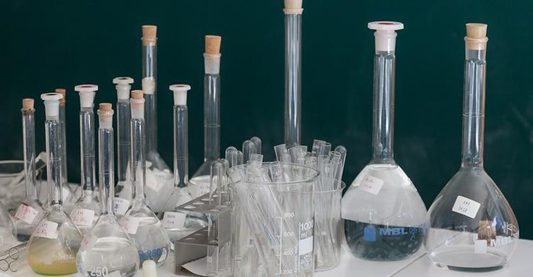 Productos químicos. IES MANUEL GARCÍA BARROS A ESTRADA – PONTEVEDRA (Flickr)