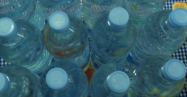Botellas de agua. Nacho (Flickr)