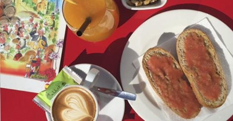 Desayuno (Facebook El Pimpi)
