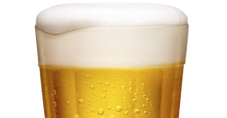 Mini de cerveza. Diogoppr, iStock