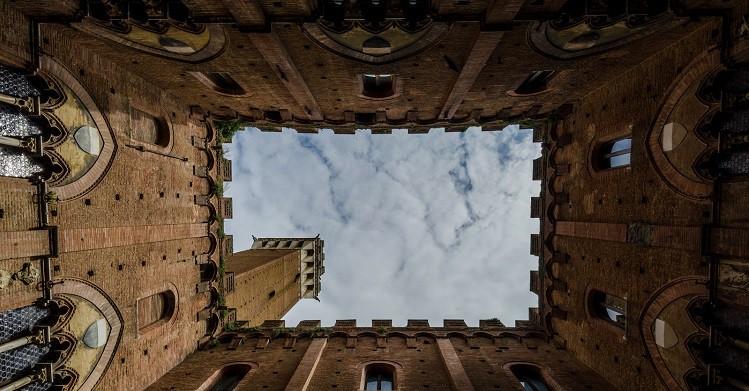 Torre del XIX junto al Ayuntamiento de gótico de Siena - Marco Tarasconi (Flickr)