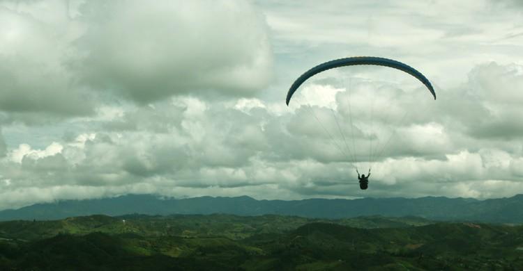 Parapente. (laprincesadelosmaresocultos - Flickr)