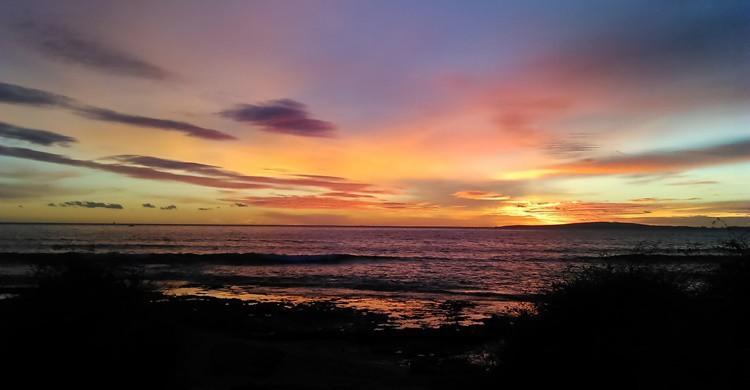Playa de Carnatge, al atardecer. Carlos A. Zamora (Flickr)