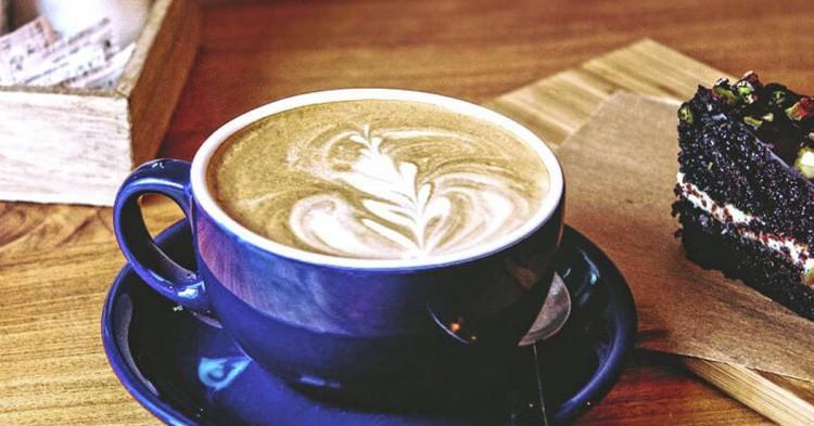 Cafe y tarta (Facebook de The Little Big cafe)