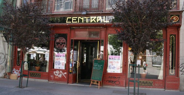 Café Central (commons wikimedia)