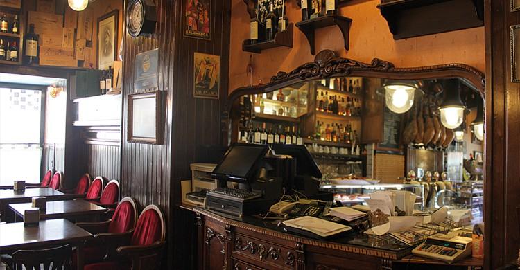 Interior del restaurante Casa Paca (casapaca.com).