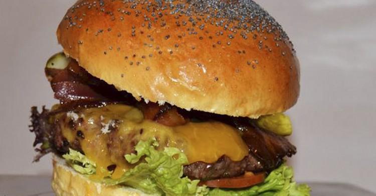 Hamburguesa (Facebook Mediterránea de hamburguesas)
