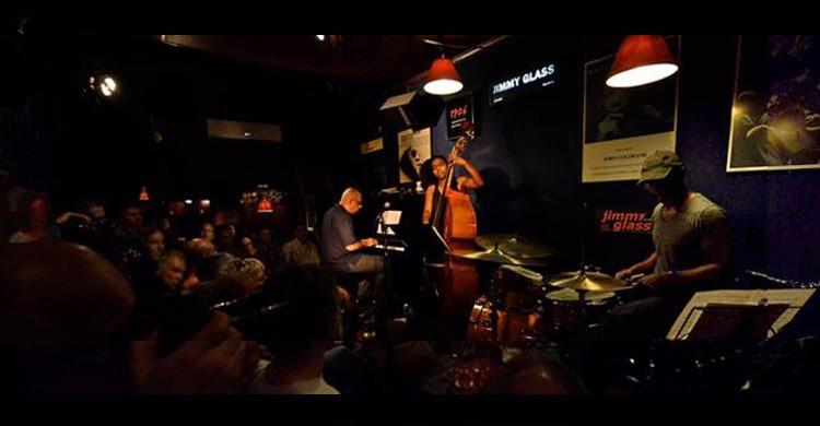 Jimmy Glass Jazz Club jimmyglassjazz.net)