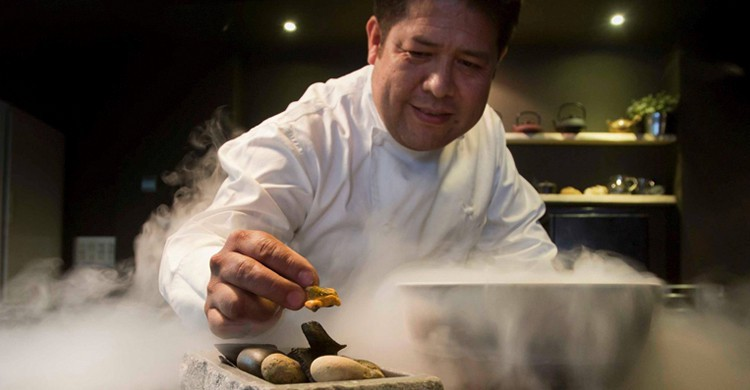 Víctor Gutiérrez en acción (restaurantevictorgutierrez.com).