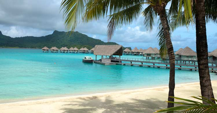 Bora Bora (iStock)