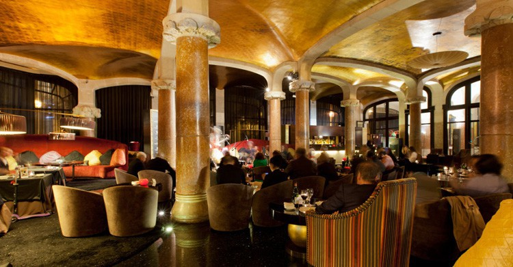 café Vienés Jazz Club (hotelescenter.es/hotel-casa-fuster/gastronomia-casa-fuster/jazz-club/)