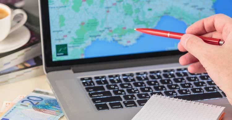 Delimitar la zona donde queremos pasar las vacaciones nos hará la búsqueda más fácil (iStock)