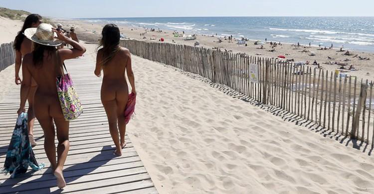 Encontrar una playa nudista en Francia - Viajar a Francia