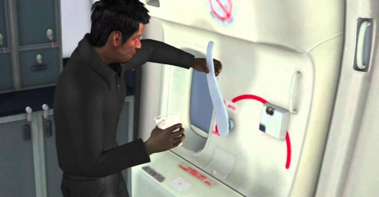 ¿Se abren las puertas durante el vuelo? (Fuente: youtube.com)