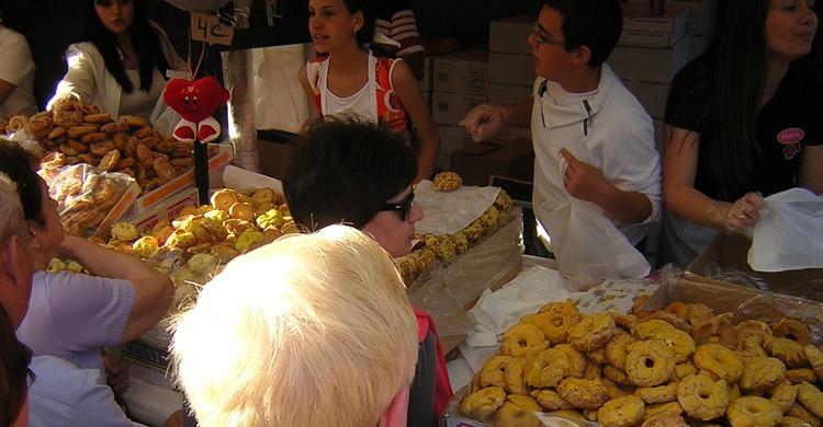 Venta de rosquillas en las fiestas de San Isidro. Aldeana (Flickr)