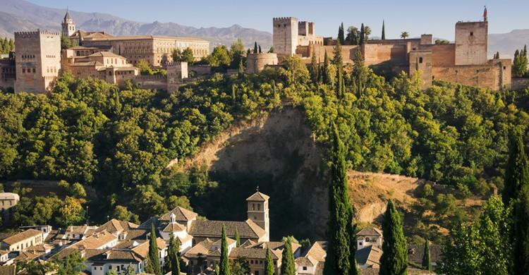 Vista de la Alhambra y sus alrededores. Ivan Bastien (iStock)