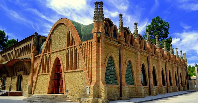 Edificio modernista en las bodegas Codorniú. Angela Llop (Flickr)