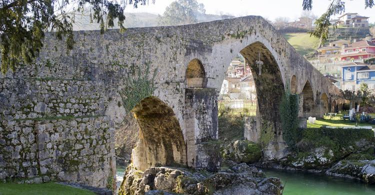 Puente romano de Cangas de Onís. Calvin Smith (Flickr)