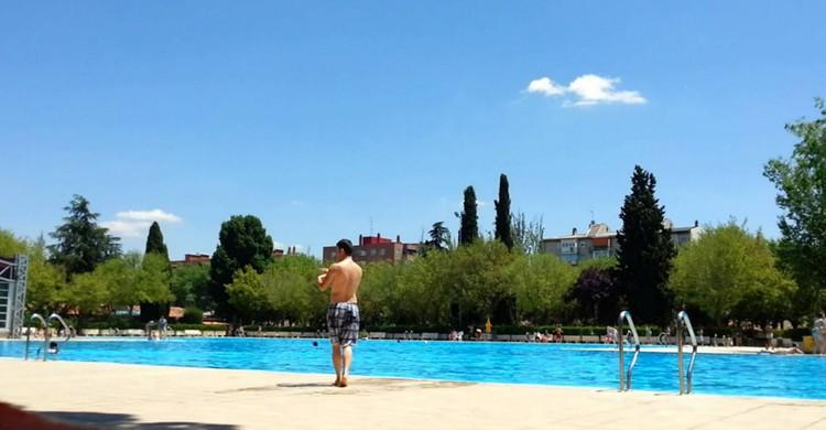Las 8 piscinas p blicas de madrid que debes conocer el for Piscina guadarrama
