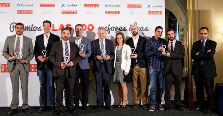 En la categoría de Viajes y Ocio, Ruth Blanch (DG) y David Clemente (PM) junto con otros de los premiados. Barceló,Iberia, Meliá, Room Mate, Panticosa y Casa Elena.
